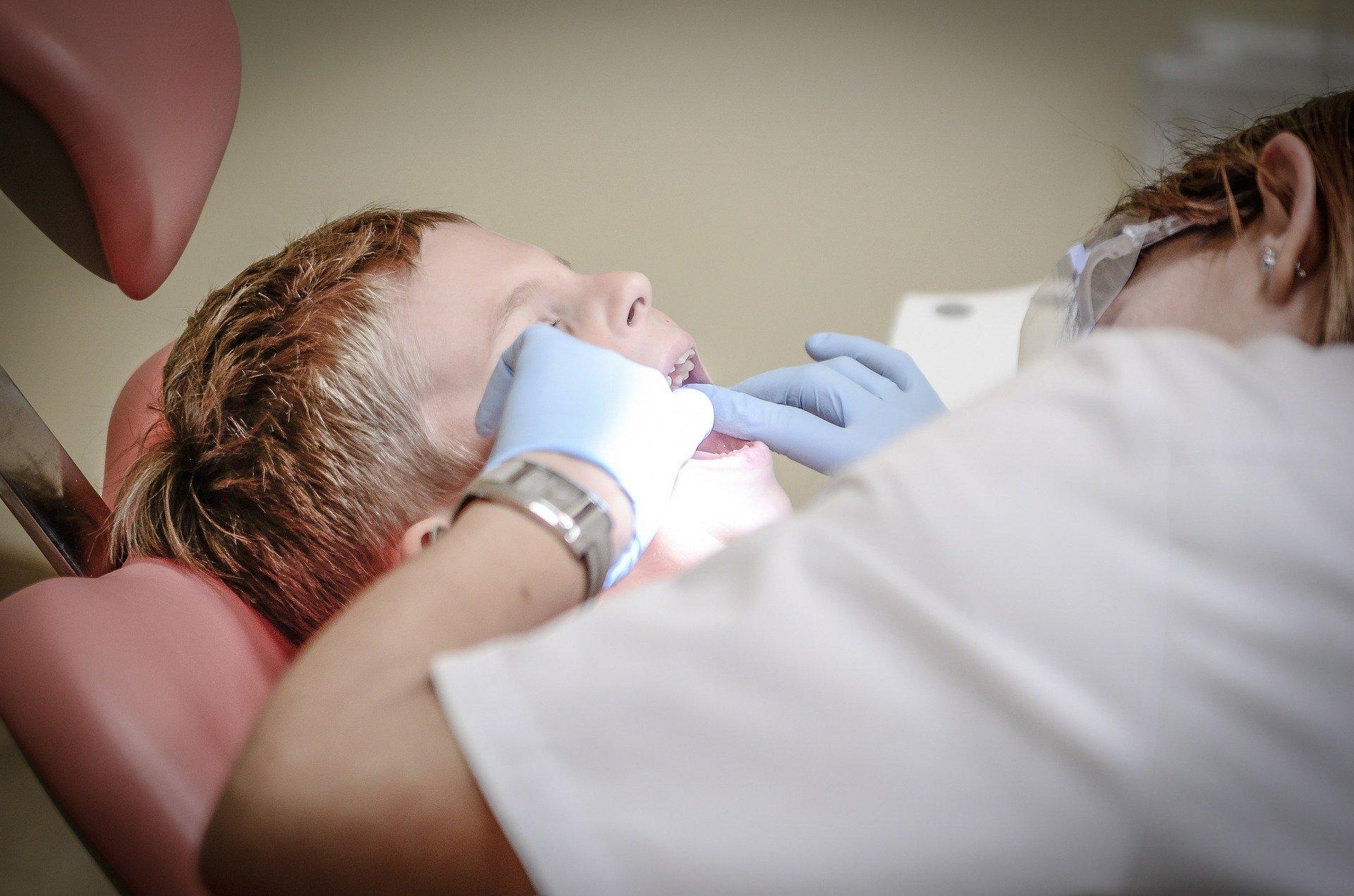 Кога треба да закажете итен преглед кај стоматолог